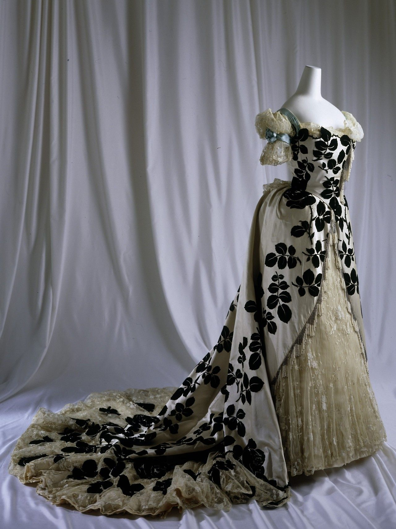Evening Dress House of Worth 1898-1900 Jean-Philippe Worth ...