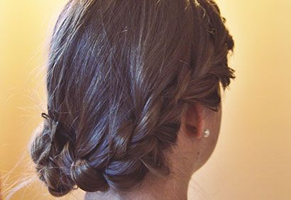 Tuto coiffure: chignon romantique   Coup de Pouce   Hair ...