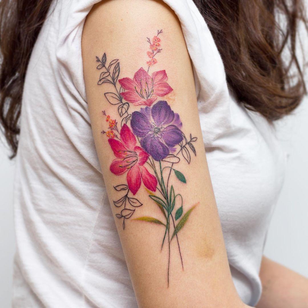 Tatuagem De Ramo De Flores Coloridas Instagram Flores Elegante