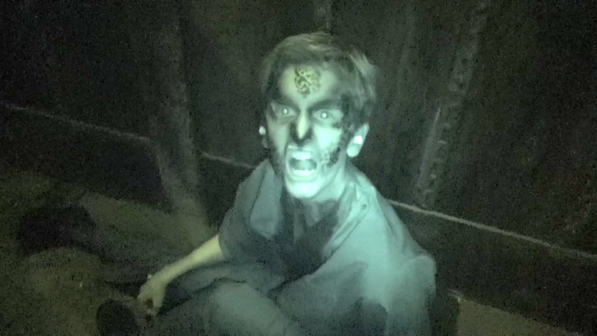 vault 666 haunted house maze walkthrough fright fest six flags