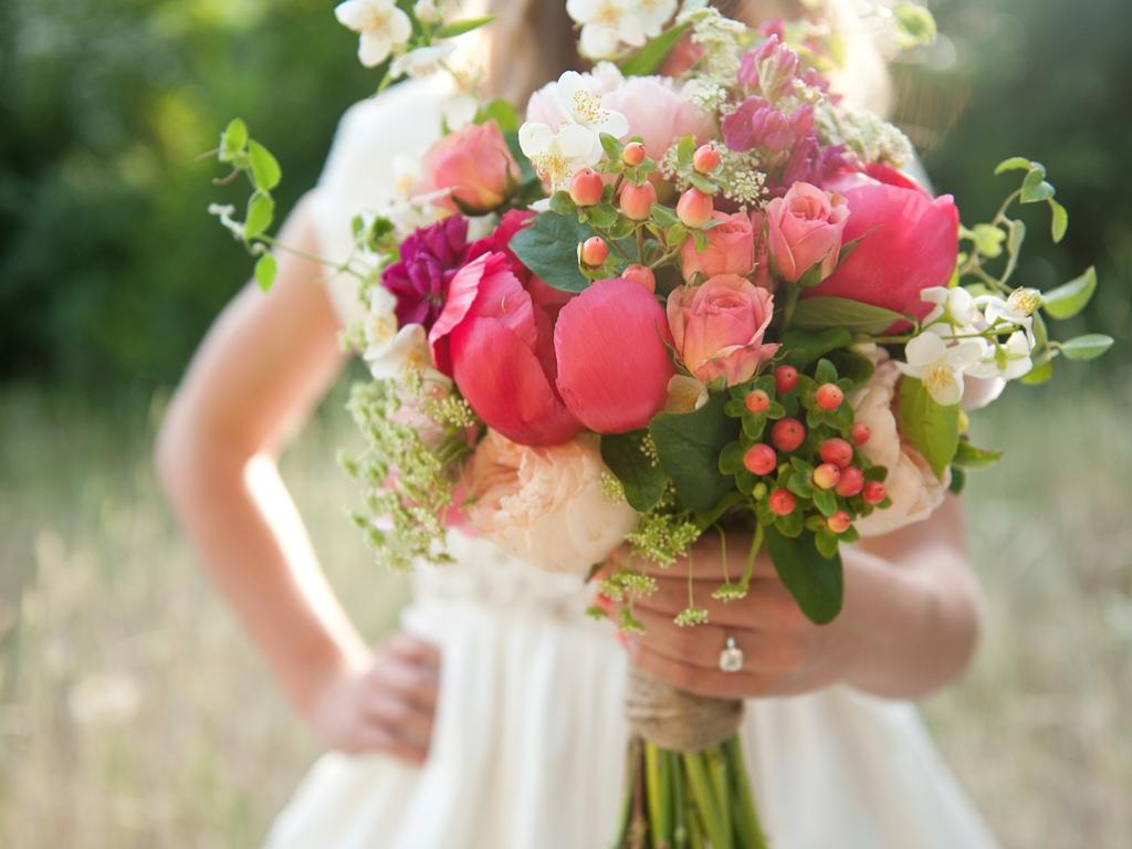 Bright rustic natural organic wedding bouquet utah wedding for Bright wedding bouquet