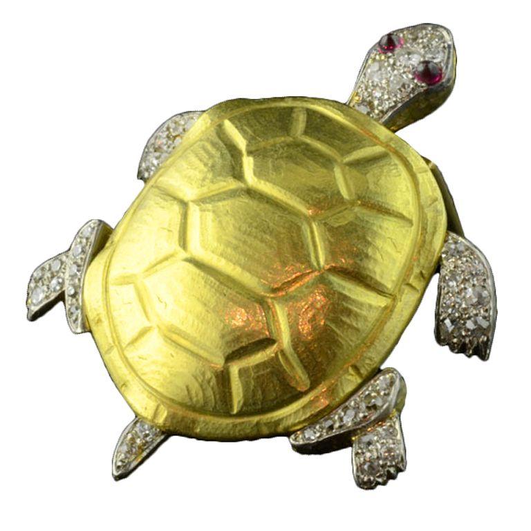 CARTIER Gold & Diamond 'Turtle' Design Brooch circa 1940
