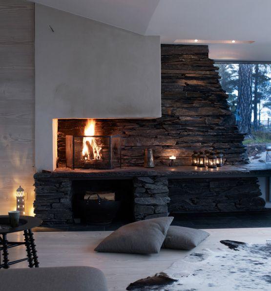 Moderna casa de madera junto al lago Grupo de, Velas y Crear - chimeneas interiores