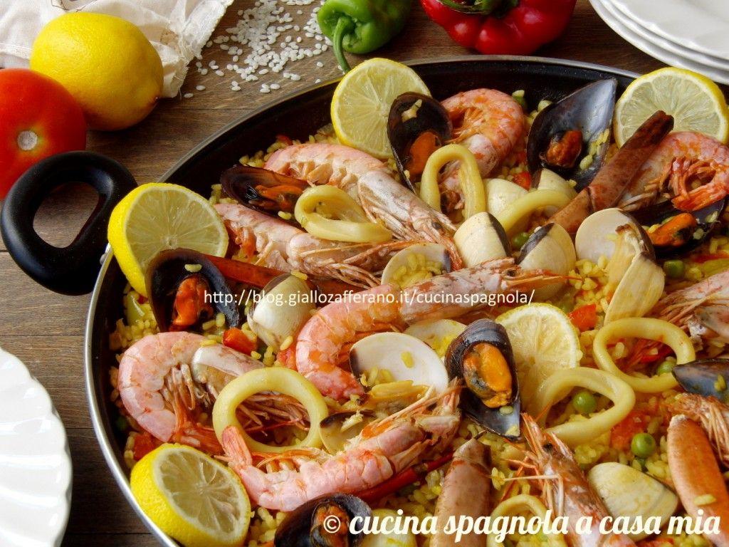 Paella di pesce e verdure: la ricetta spagnola originale! Paella di pesce e verdure o di marisco (frutti di mare): la ricetta tradizionale e collaudata spiegata passo a passo. Più facile di così!