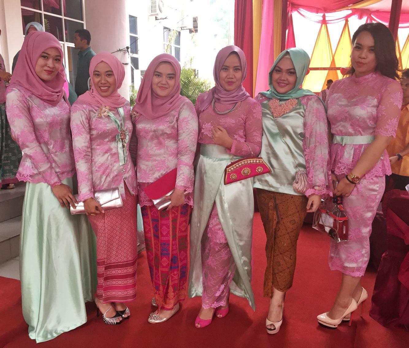 Kutubaru Kebaya Bridesmaids Bestmen Wedding Hijab Hijab