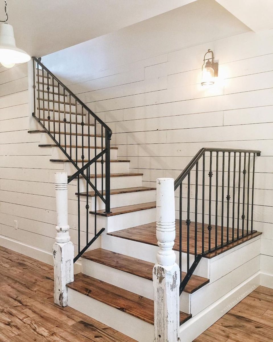 80 Modern Farmhouse Staircase Decor Ideas: 80 Modern Farmhouse Staircase Decor Ideas (34