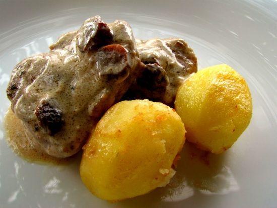 Solomillo de cerdo con pasas y nueces.  ¿Quieres tener los ingredientes en casa en 1hora? bit.ly/1JreeNs