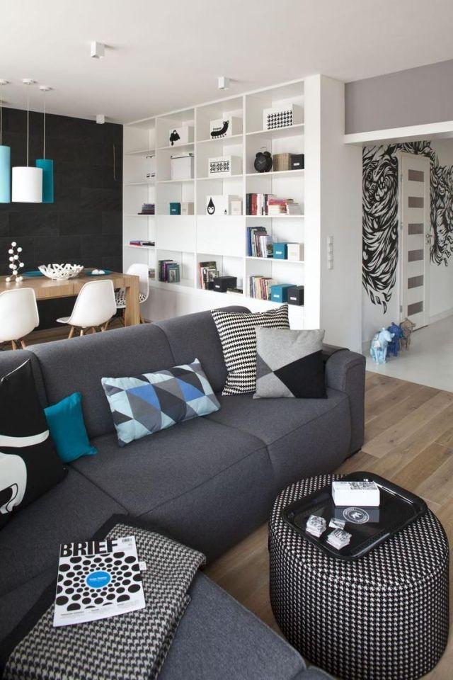 Dekovorschläge Für Wohnzimmer Essbereich Schwarze Akzentwand Graues Sofa  Blaue Kissen Pendelleuchten