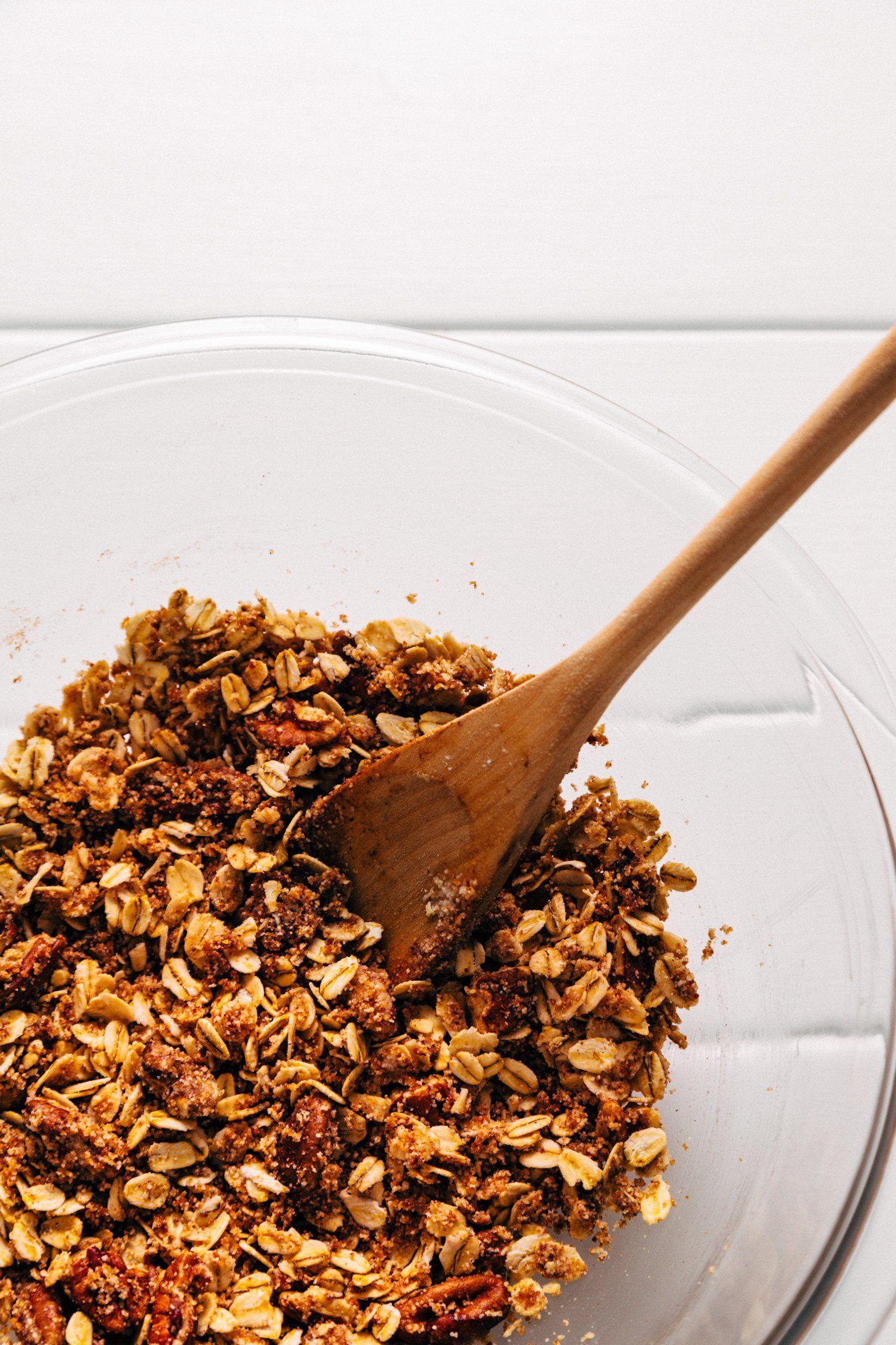 Healthified Apple Crisp 1 Bowl Minimalist Baker Recipes Recipe Apple Crisp Healthy Apple Crisp Baker Recipes