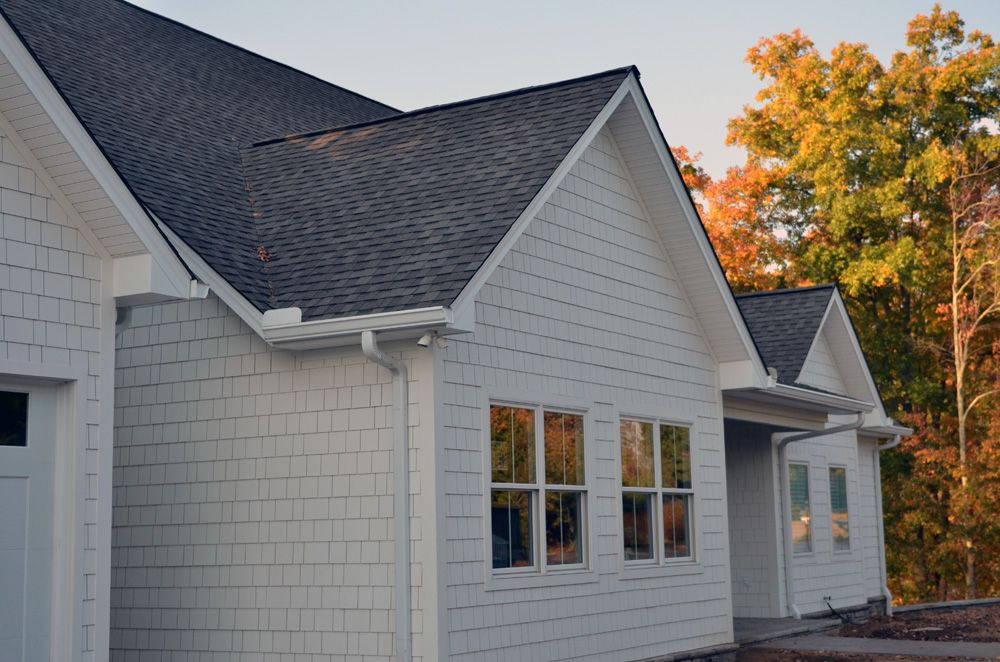 Weathered Wood Shingle Color And White Dove Shaker Shingle Siding