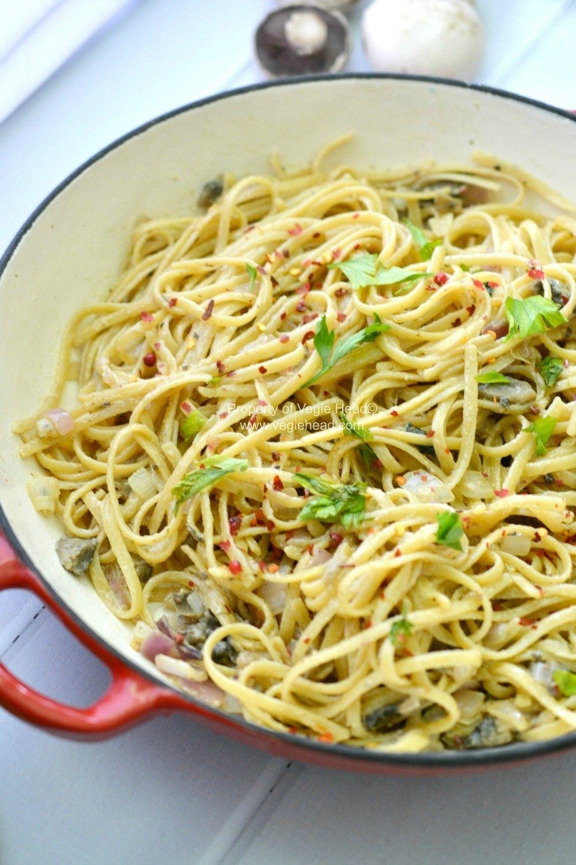 6 Ingredient Red Capsicum Pasta Sauce A Creamy Vegan Pasta Sauce