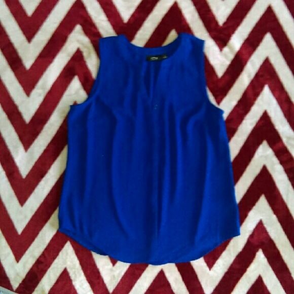 ⚡SOLD⚡ Worn once Royal blue V neck cut neckline So perfect to wear to job interviews under a Black Blazer  PLEASE NO LOW BALLING Apt. 9 Tops