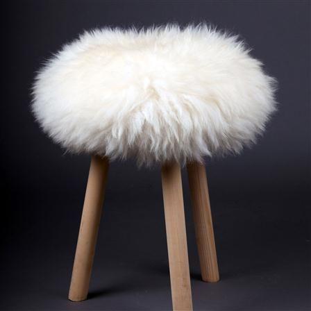 Fab Design Housse De Tabouret 100 Peau De Mouton Www Fabdesign Fr Fabdesign Design Sheepskin Top Peau De Mouton Deco Maison De Campagne Tabouret Design