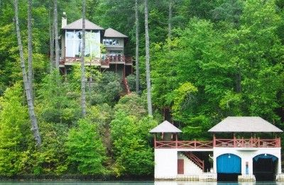 VRBO.com #299067 - Welcome to the Cherokee Rose!  One of a Kind on Lake Rabun....