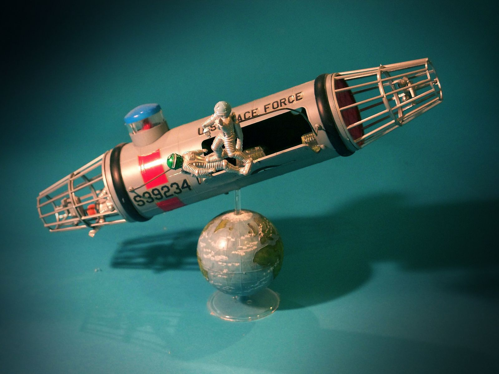 Vintage Science Fiction Model Kit: Space Taxi in 2019 | Science Fiction Models | Model cars kits ...
