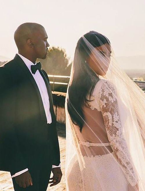 Get Kim Kardashians Wedding Makeup On The High Street We Ve Discovered All Beauty Products She Used