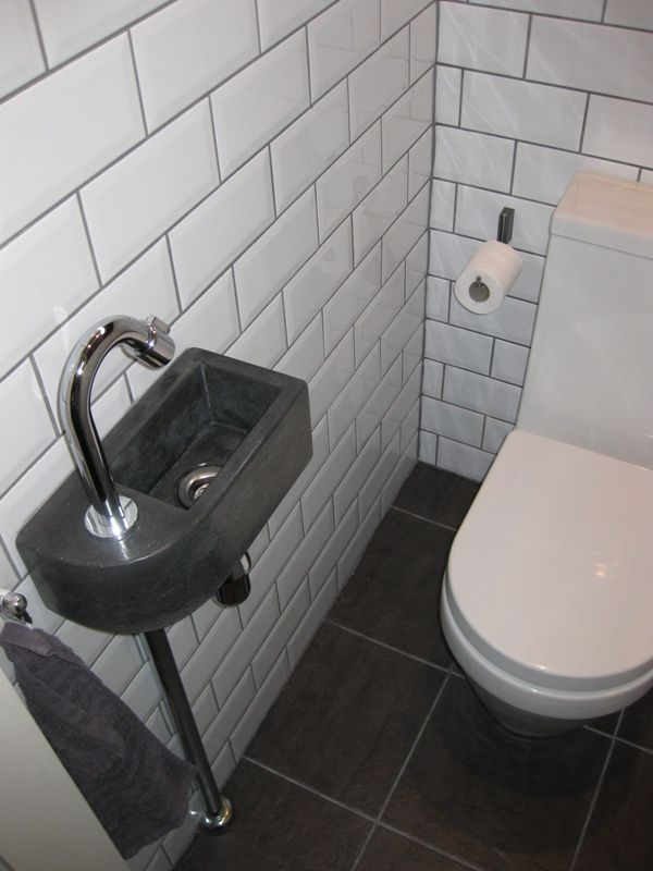 Solidus klein fonteintje beton kraan links toilet pinterest badkamers badkamer en idee n - Badkamer klein gebied m ...