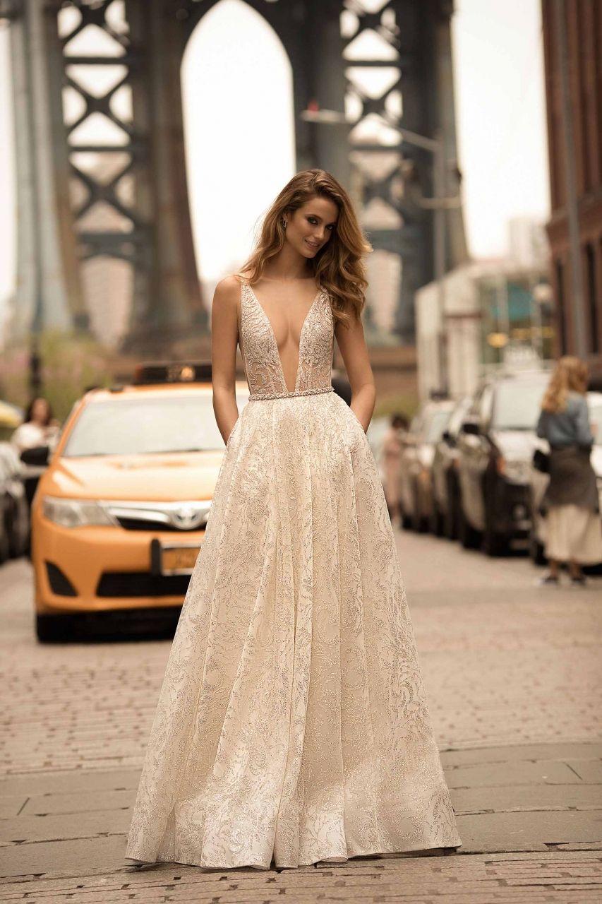 Mermaid dress wedding  Flower Lace VNeck Wedding Dress  Mermaid Dresses  Pinterest