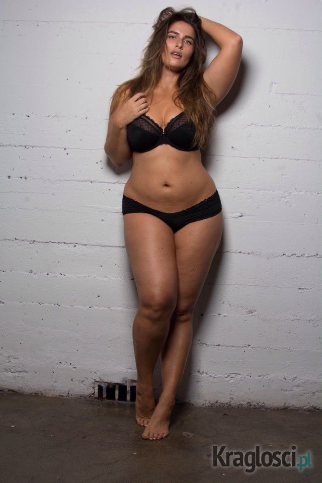 6fbc5ae97fb Chelsea Miller - plus size model with hot curves | curves | Curvy ...