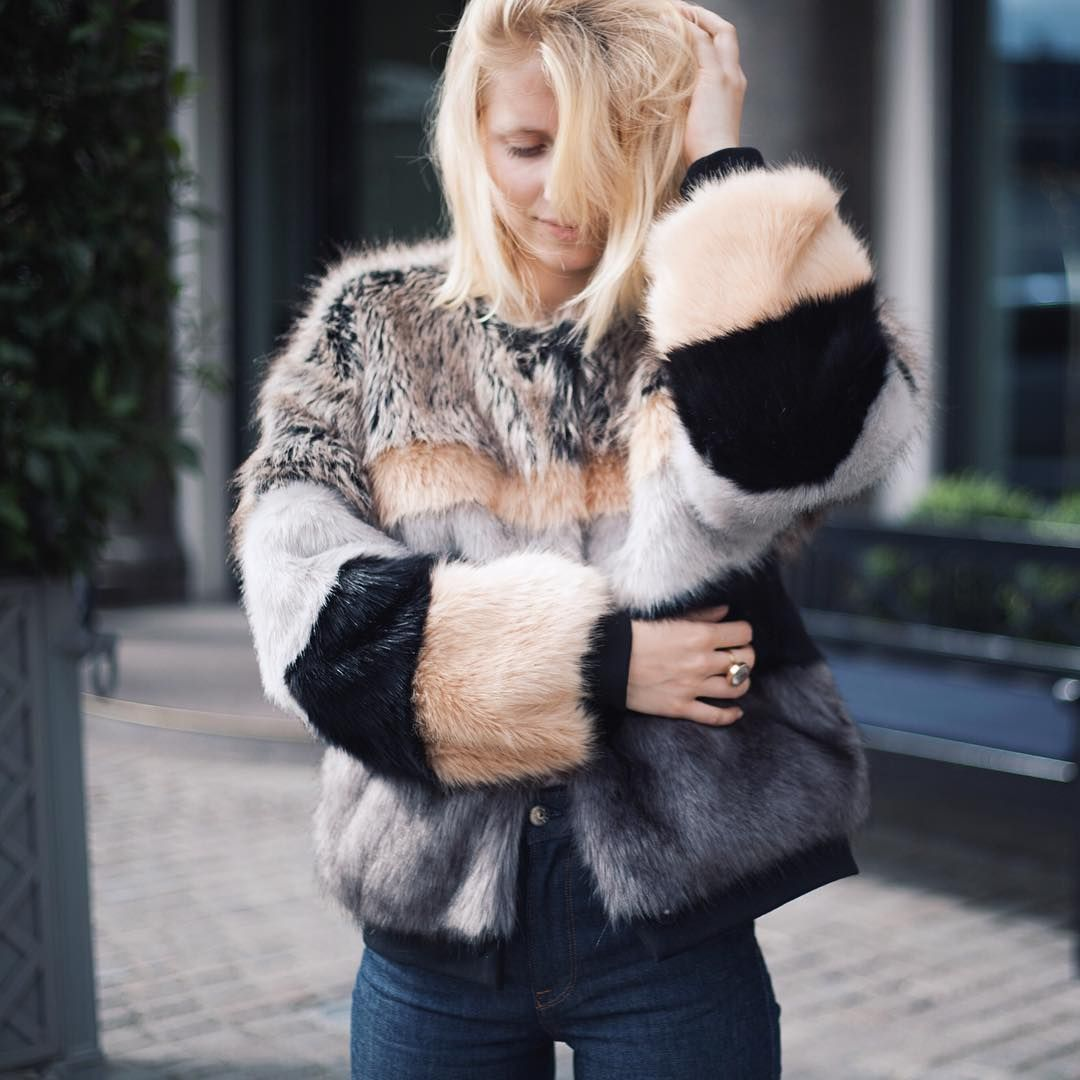 65d7014850e Munthe Faux Fur Bomber, limited edition! | My Outfits in 2019 | Faux ...