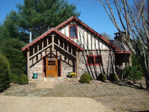 Guest cottage - eclectic - exterior - charlotte - Abby Design and Construction - perfect mountain cottage