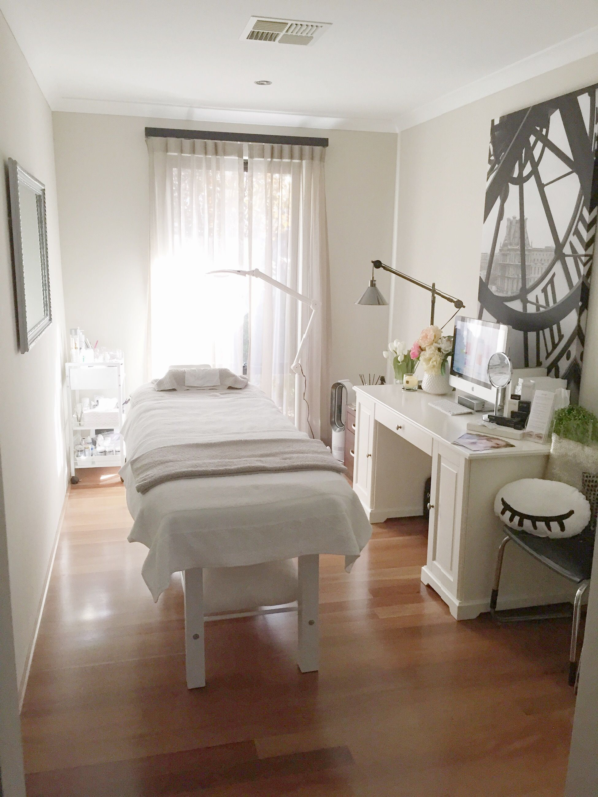 Lash salon decor treatment rooms pinteres for How to make a beauty salon at home