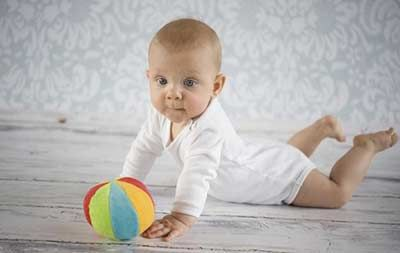 Estimulaci n de 3 a 6 meses c mo estimular al beb embarazo y parto pinterest bb babies - Estimulacion bebe 3 meses ...