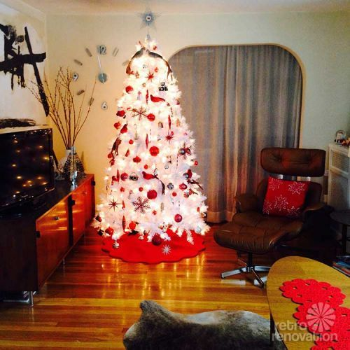16 retro Christmas decorating All Stars - and a krampus Red