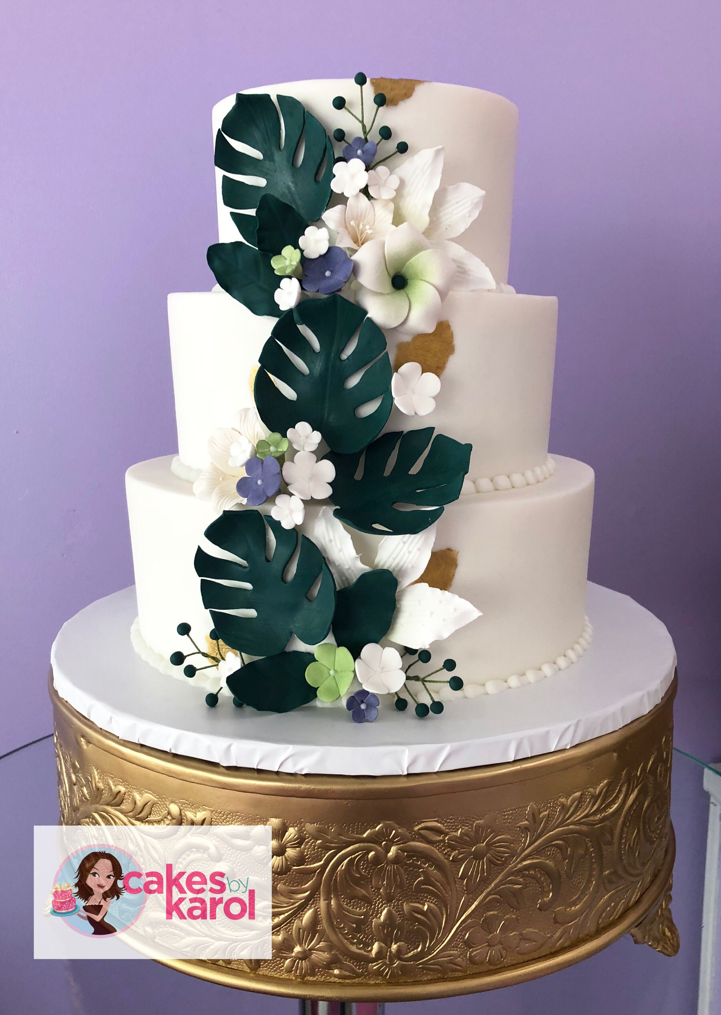 Buttercream and sugar leaves wedding cakes leaves