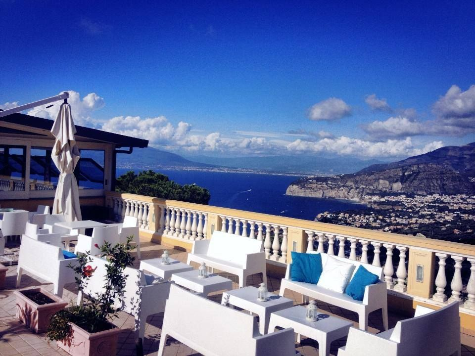 The residence le terrazze in sorrento offers its guests a wonderful stay through the magic of the breathtaking views of the gulf of naples