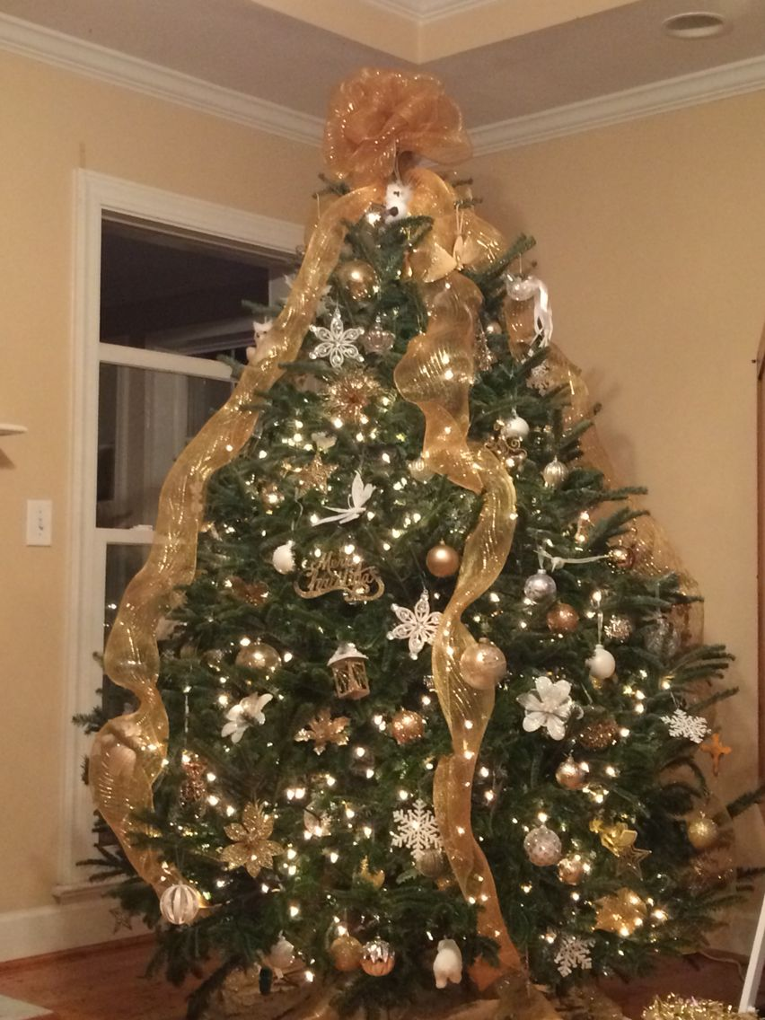 gold and white color theme christmas tree - Christmas Tree Color Themes