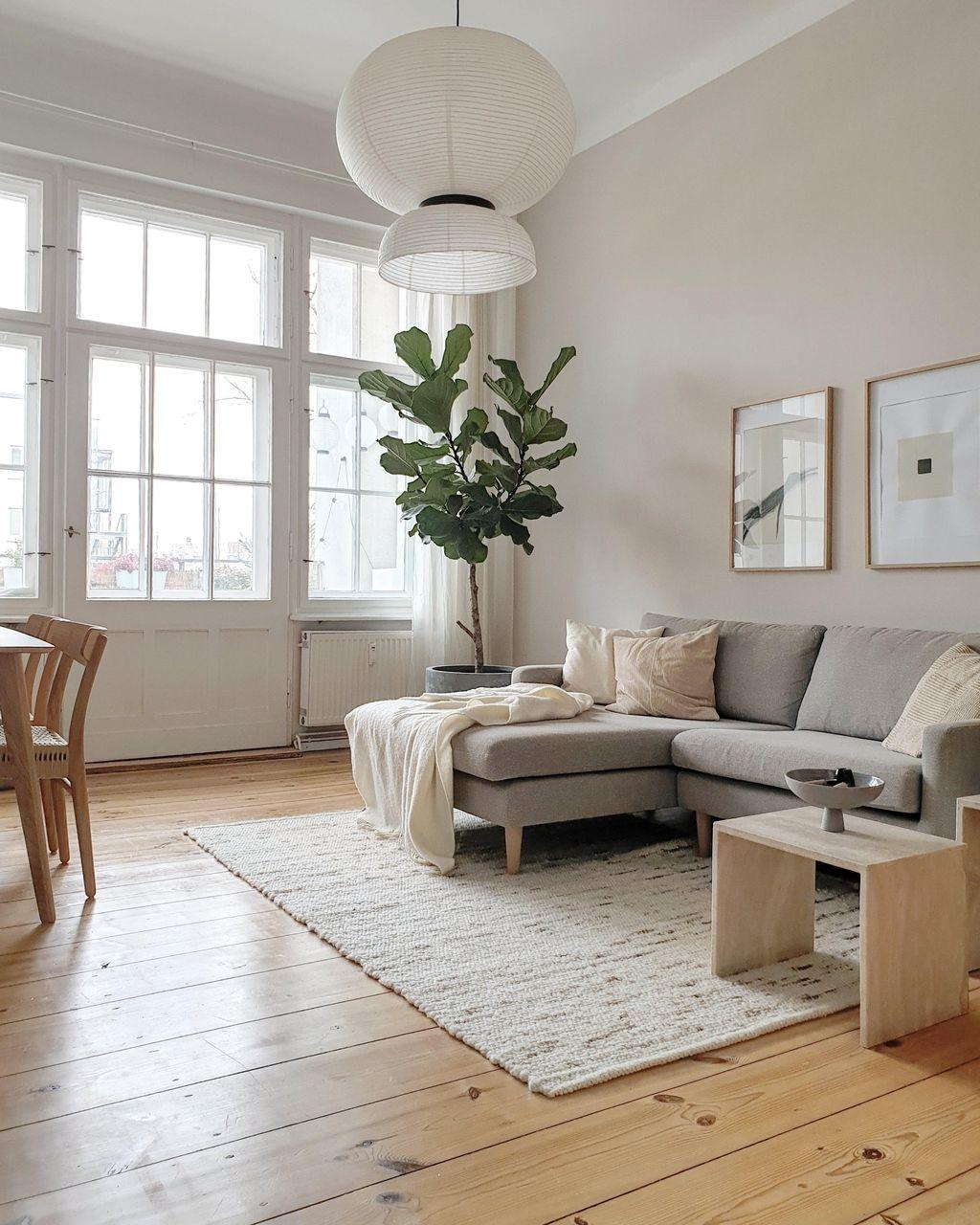 #wohnzimmer #sofa #ficus #geigenfeige #dielenboden #altbau #altbauliebe #cozy #hygge #skandinavisch #minimalistisch
