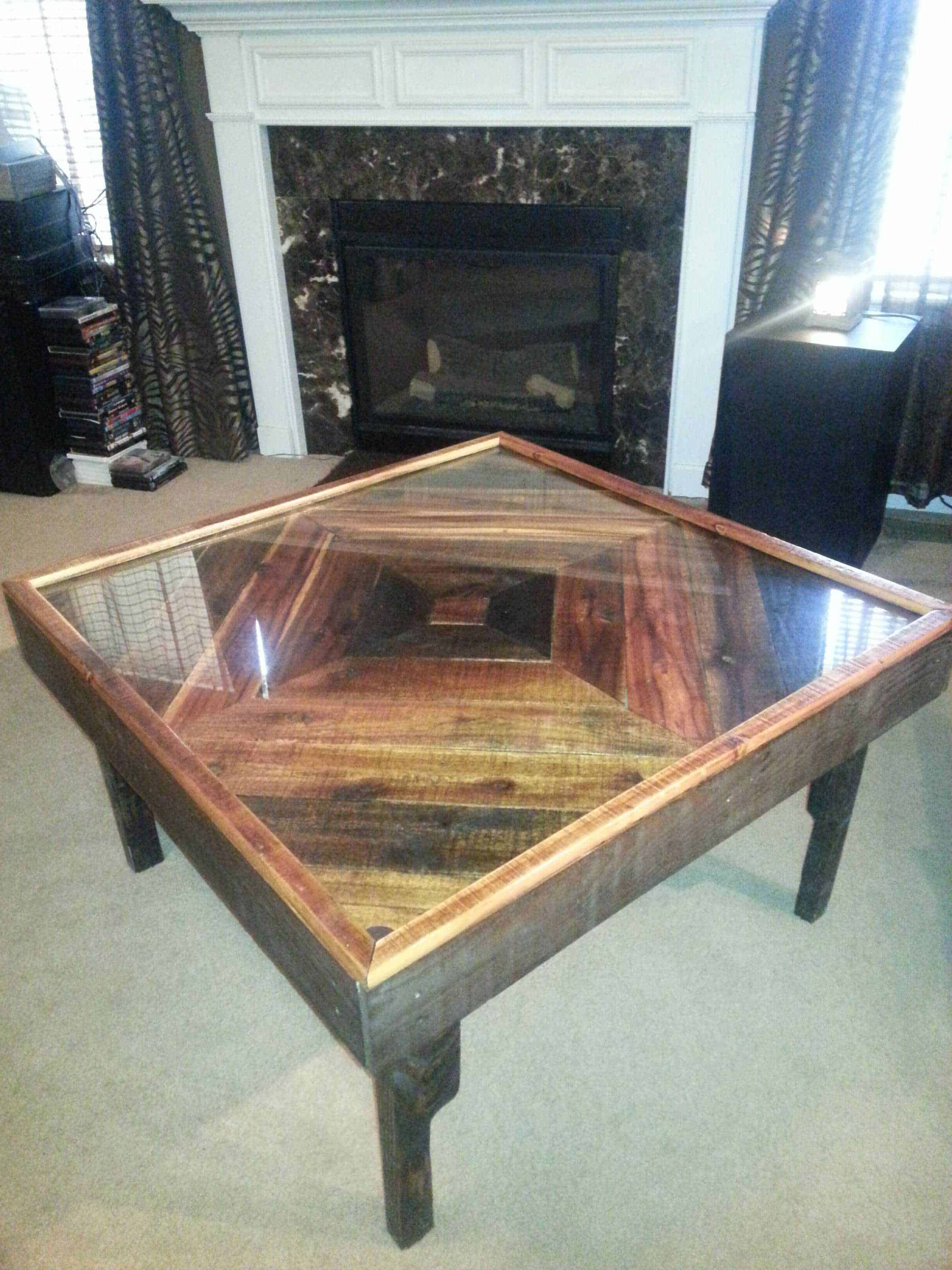 Black Walnut Pallet Into Coffee Table 1001 Pallets Coffee Table Wood Coffee Table Small Garden Coffee Table [ 3264 x 2448 Pixel ]