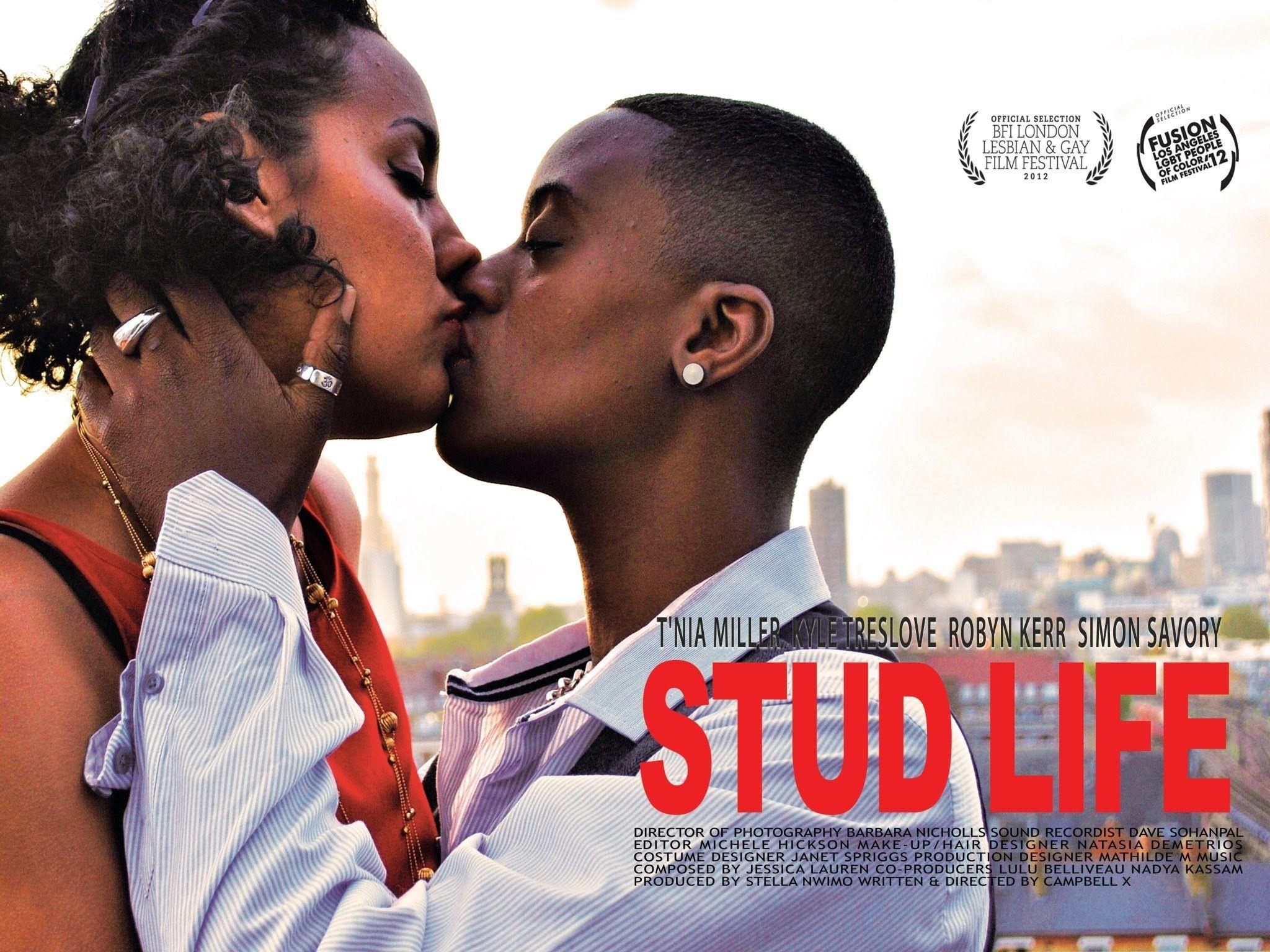 ebony lesbians making love