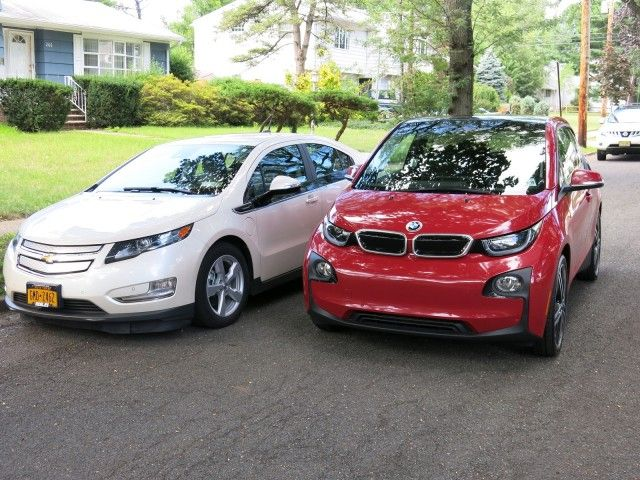 2014 Bmw I3 Rex Vs Chevrolet Volt Comparison Photos David Noland