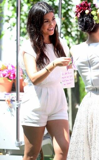 Love this white romper. Kourtney pregnant with 3rd child.