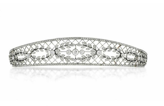 A delicate diamond tara, 1900. Featuring a diamond lattice with at least seven oval laurel leaf motifs inside it, with a trio of circular diamonds in the central one. Sold via Christie's on 14 June 2014 for £32,500