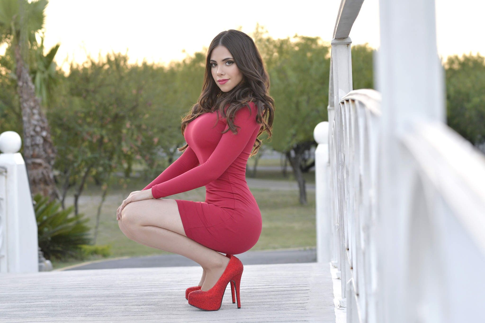 filippina women in high heels