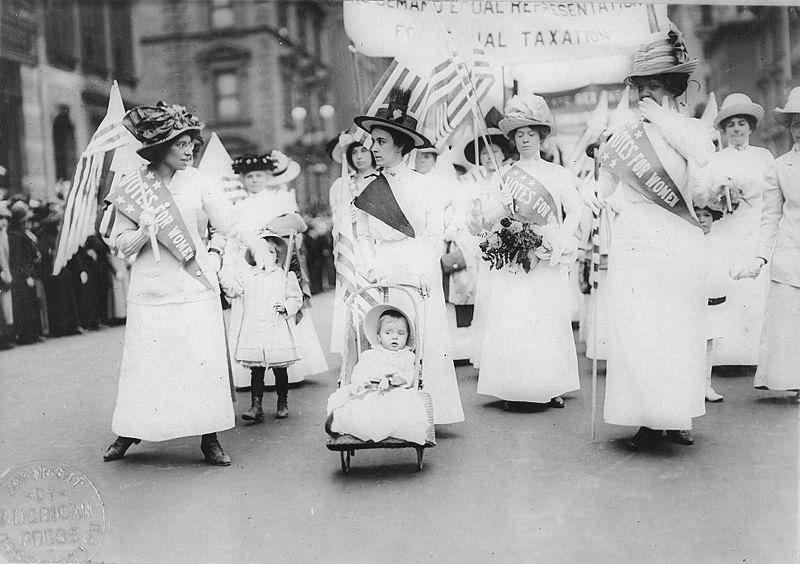 Feminist Suffrage Parade in New York City, 1912 - Feminismo – Wikipédia, a enciclopédia livre