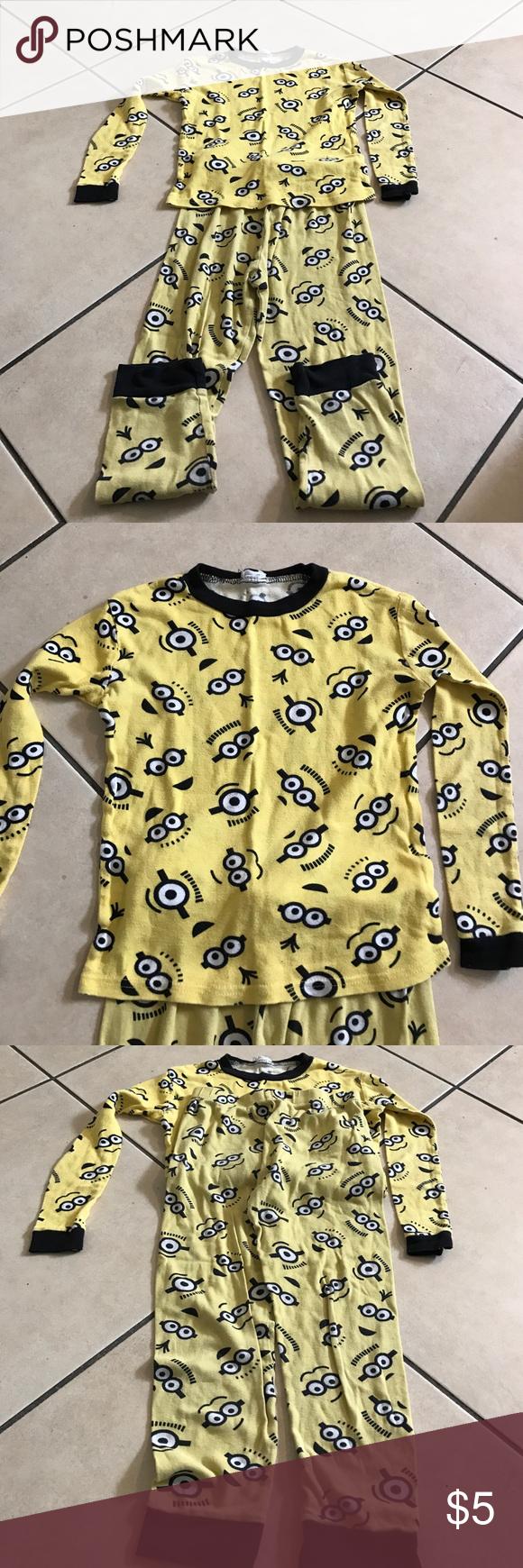 Minion pjs for boys 6/8 yrs Bundle and offer minions Pajamas