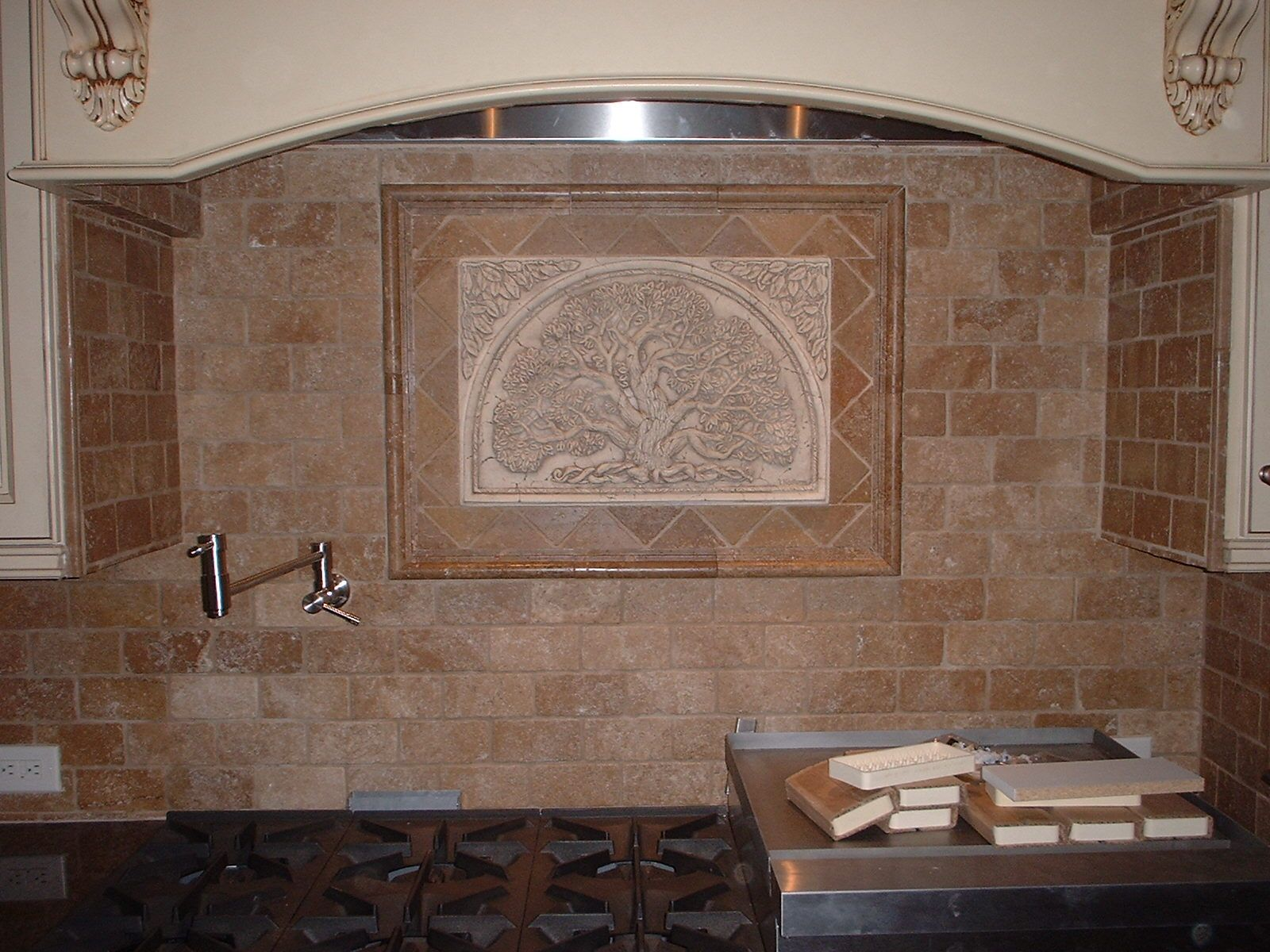Kitchen Tile Backsplash Design Ideas pillow top tile backsplash design ideas 1000 Images About Decorative Backsplash Over Cooktop On Pinterest Decorative Tile Kitchen Backsplash And Kitchen Backsplash Tile