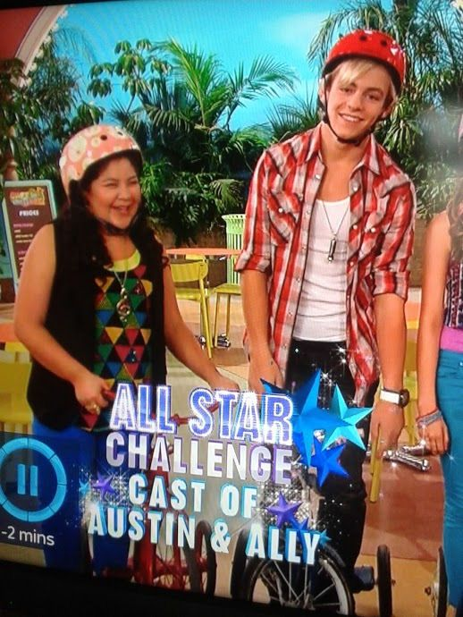 Okay, so this pic contains no Calum content, but... eh, whatever XD Ross Lynch and Raini Rodriguez. Calum is on the right, out of my camera shot XD
