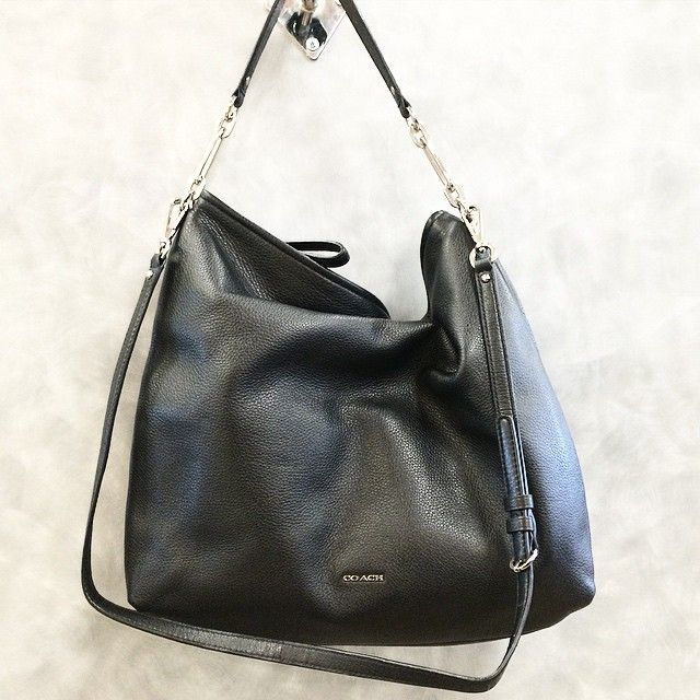 Coach Large Black Handbag $130 (Retail $358) _______________________________________ Please call our store at 952-953-3835 to check availability. We do not ship at the moment & apologize for any inconvenience. Thank you for following our feed! _______________________________________ #clothesmentor #minnesota #accessories #instalike #fashion #fashiongram #style #trendy #instagood #instadaily #instafashion #pretty #stylish #fashiondiaries #musthave #fashionista #photooftheday #fashionblogger…