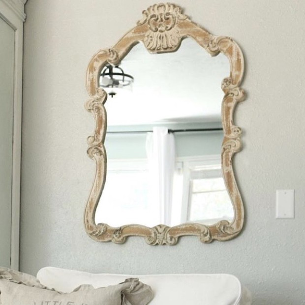 Queen Anne Style Mirror In 2020 Mirror Elegant Mirrors Queen Anne