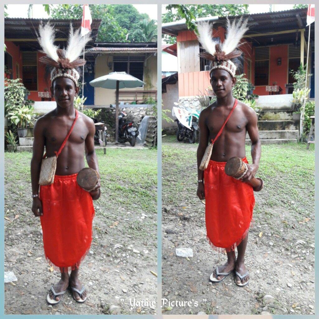 Pakaian Adat Papua Barat