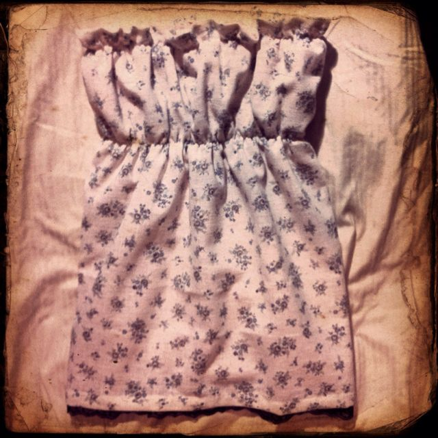 Strapless top from my vintage fabric finds with pink slip lining and black lace finish <3