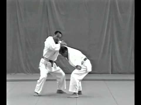 O Judo Competitivo E Bem Conhecido Mas E As Tecnicas De Goshin Jutsu Defesa Pesssoal Do Judo Ja Ouviu Falar Veja Este Video C Judo Judo Video Martial Arts