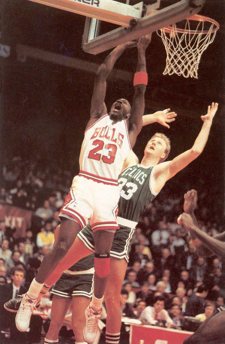 a562ec80d onlythebestnba  1985-86 Michael Jordan Lay Up Vs Larry Bird