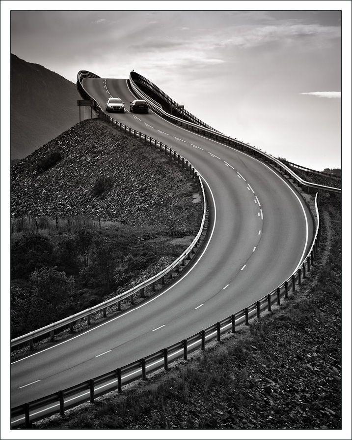 « Мы — мост через вечность, возвышающийся над морем ...