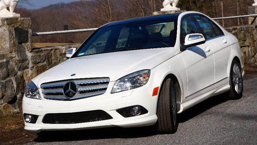 15 Hottest Luxury Car Leases Under 400 A Month Mercedes Benz C300 Car Lease Luxury Cars
